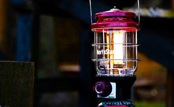 キャンプ場の夜の明かりはガスランタンがいい!選び方と人気おすすめ15選